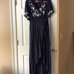Rosebuds and romance maxi dress in navy